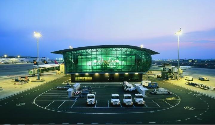 Woedende reacties op stakingen luchtverkeersleiding Brussels Airport