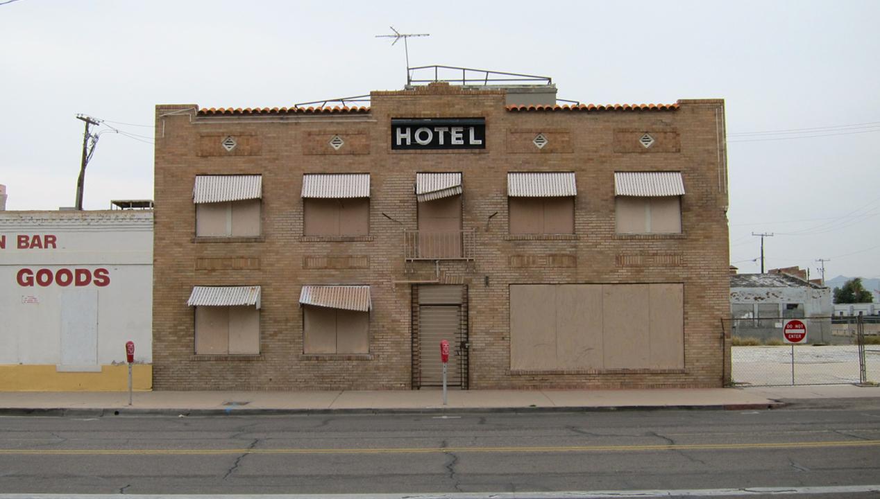 Bevestiging geeft geen enkele garantie travelpro for Design hotel niedersachsen