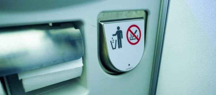KLM stopt met verkoop sigaretten aan boord