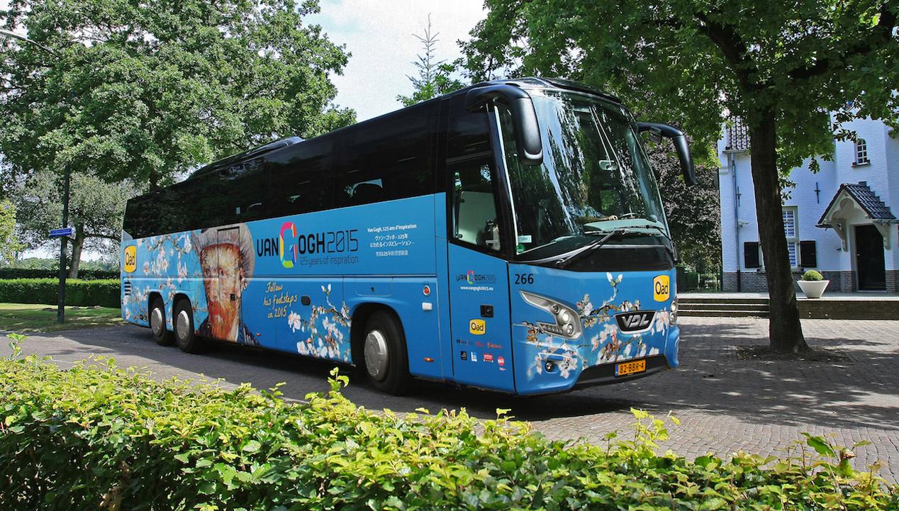 Oad Van Gogh touringcar gedoopt