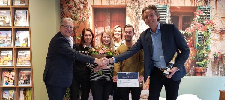 Op de foto van links naar rechts: Jan Prikkel, Claudia van Boekel, Nicole Bruisten, Petra Wijgers, Martijn van Tienen en eigenaar Rob Schilten.