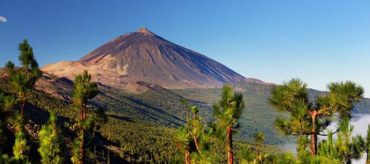 De Teide op Tenerife is de grootste vulkaan van Spanje, en de derde hoogste vulkanische structuur ter wereld.