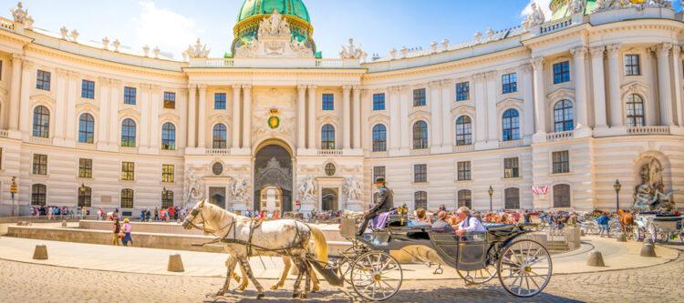 Extra dagelijkse vlucht tussen Amsterdam en Wenen