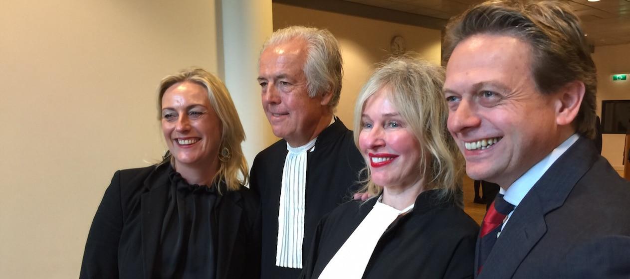 Ter haar vs rabo schorsing en heropening van de zaak travelpro - Familie aanrecht schorsing ...