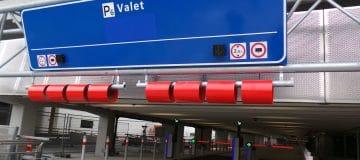 (Video) P2 sluit, parkeerproblemen op Schiphol?!