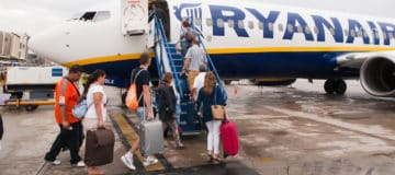 Ryanair: rolkoffer niet meer gratis als handbagage