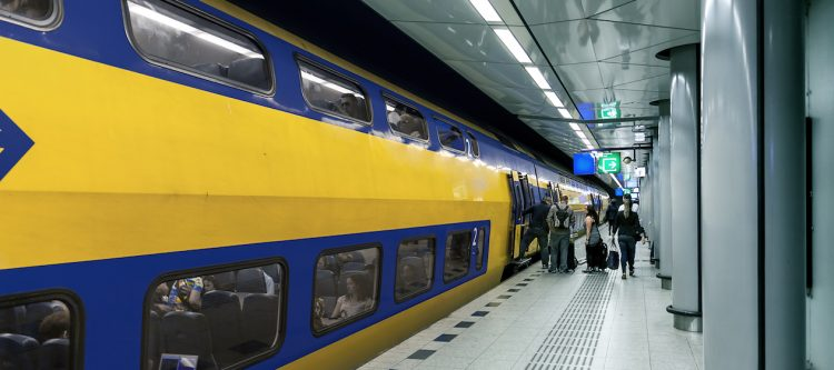 """""""Treinstation Schiphol zo snel mogelijk op de schop"""""""