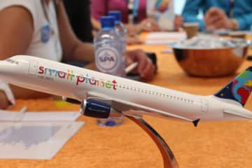 Thomas Cook wil Small Planet Airlines een kans geven