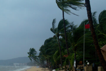 Tropisch storm richting Thailand: toeristen ontvluchten resorts