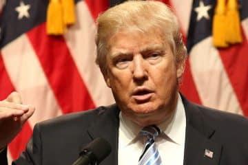 Trump kondigt aanval aan op Syrië, airlines gewaarschuwd